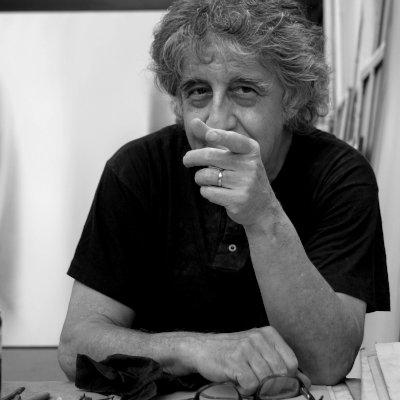 claudio olivieri nel suo studio